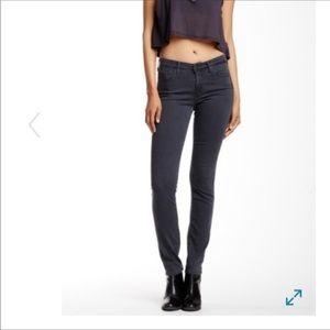 $178 AG The Prima Cigarette Skinny Jean 25
